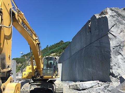 福島産浮金石の採石場2