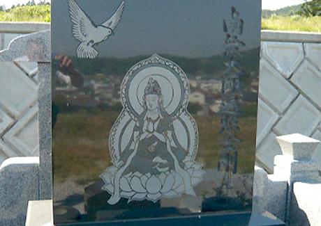 和型墓石は特殊彫刻も可能